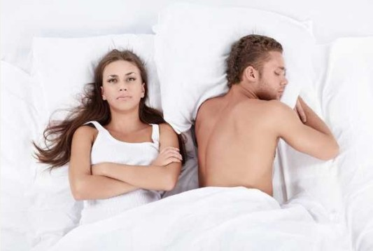 couple-unhappy-in-bed